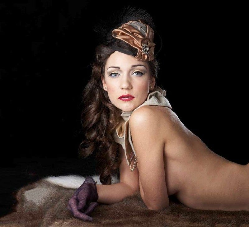 Boudoir photographer and makeup artist by FT